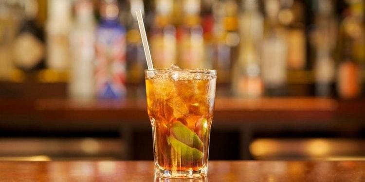 кубинский национальный коктейль Святая Куба