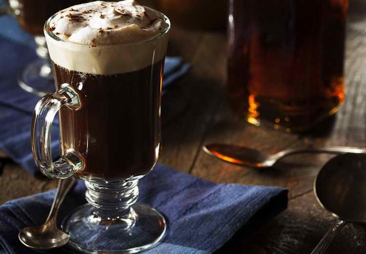 какой алкоголь добавляют в кофе