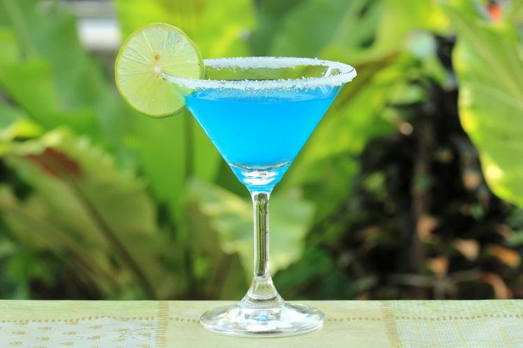 какой крепкий алкогольный напиток является основой коктейля маргарита