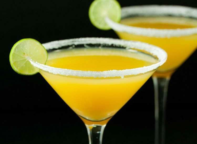 безалкогольный коктейль с апельсиновым соком