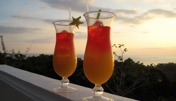 шампанское с персиковым соком: как называется коктейль