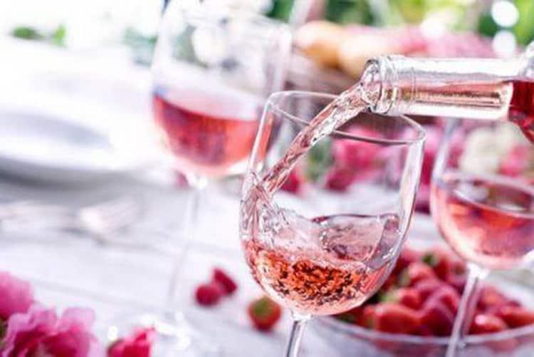 вино розовое сухое: как подавать