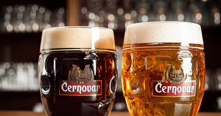 Чешское пиво Черновар отличается настолько мягким вкусом, что пить его можно даже без закуски.