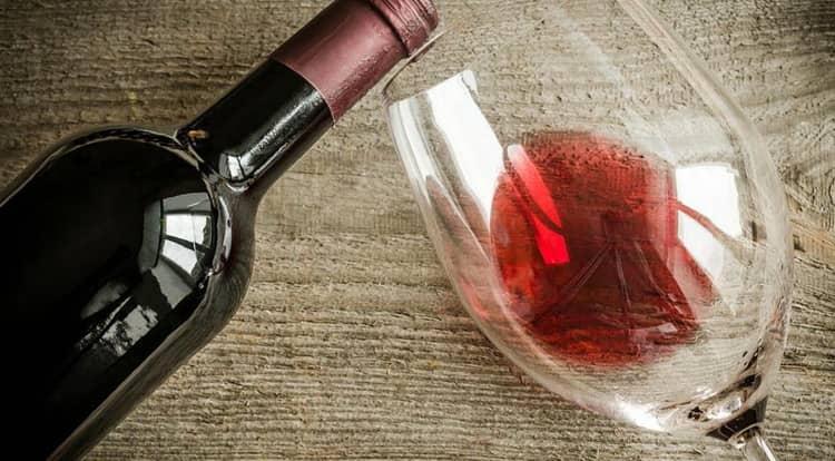 красное полусладкое вино с чили