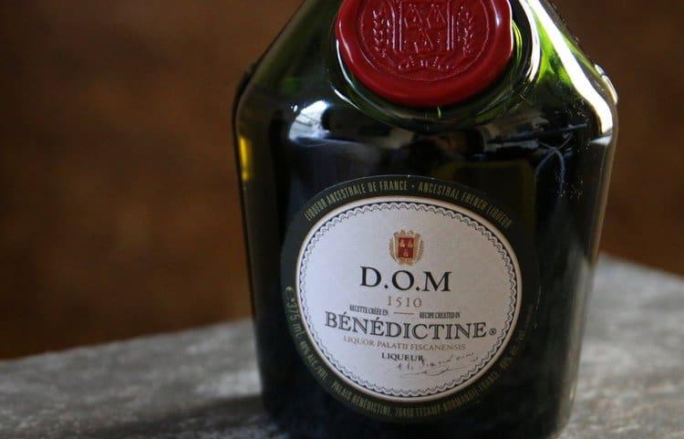 Вкус специй и трав можно ощутить Benedictine.