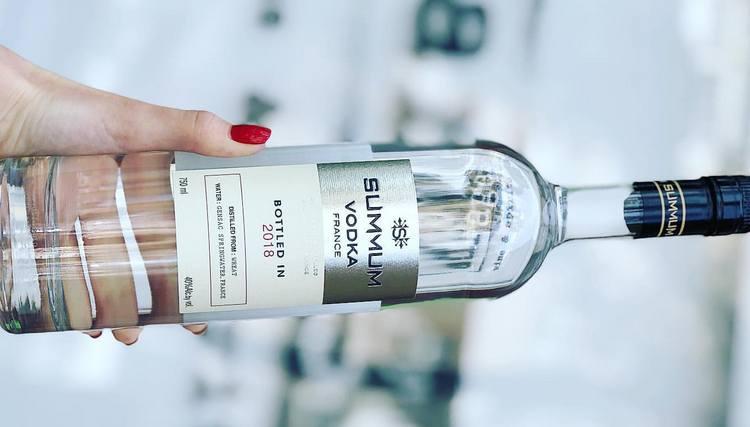 Французская водка Суммум это продукт высочайшего качества.