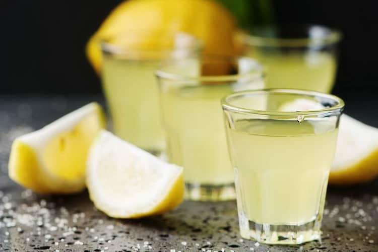 Как готовится настойка лимонная на водке в домашних условиях
