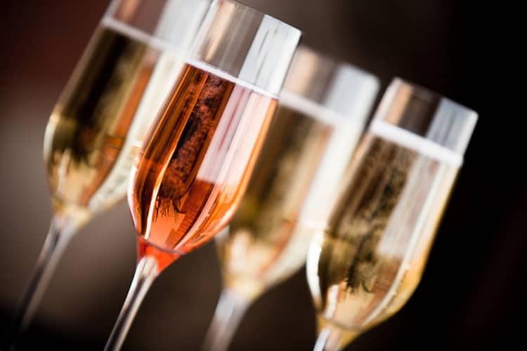 С чем подавать французское шампанское