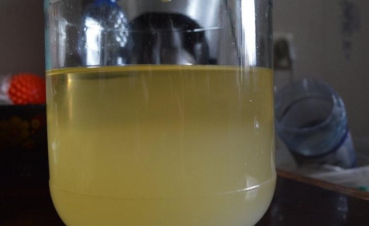Еще один доступный и простой метод это осветление браги желатином.