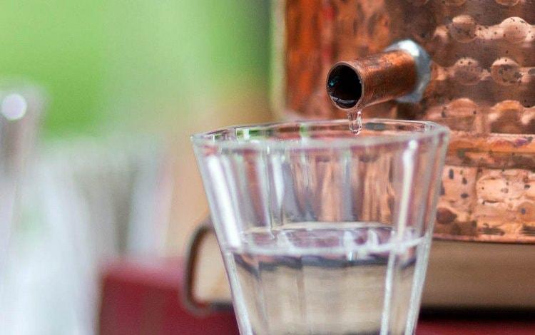 Узнайте, можно ли пить первак самогона.