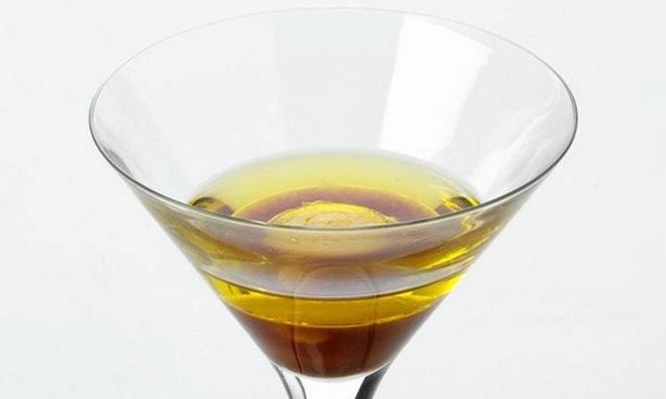 алкогольный коктейль с табаско Прейри-устрица
