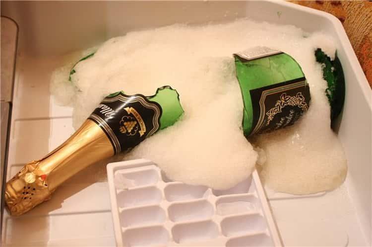 при какой температуре замерзает шампанское в бутылке