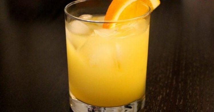 Если не знаете, с чем пьют джин, кроме тоника, ответ прост: цитрусовые соки!