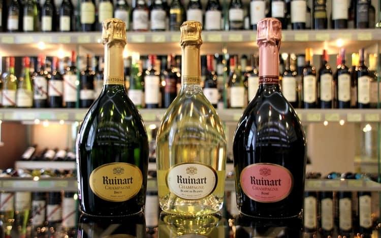 Шампанское Ruinart это изысканный французский напиток, который украсит собой любое мероприятие.