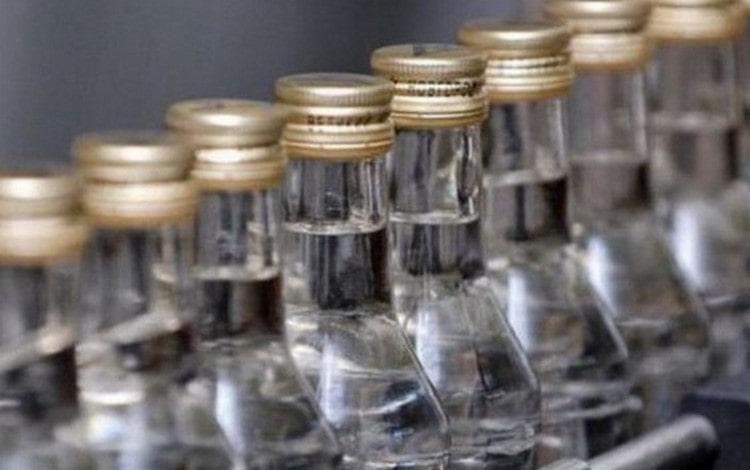Вопрос о том, что лучше: самогон или водка, очень неоднозначен.