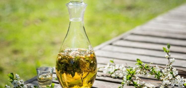 Рецепт самогонной настойки на травах – состав № 9