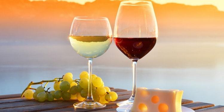 чем отличается сухое вино от полусухого