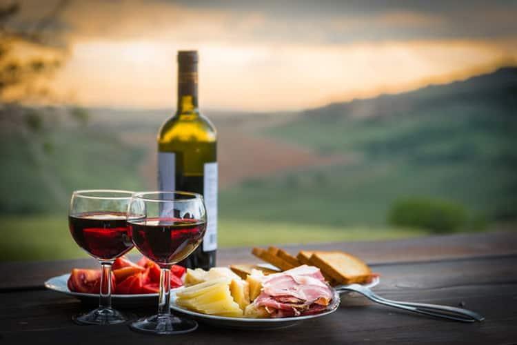 дорогие французские вина, французское вино белое полусладкое