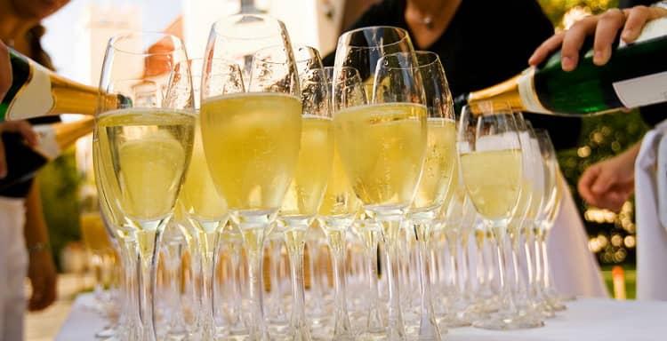 сколько напитков нужно на свадьбу