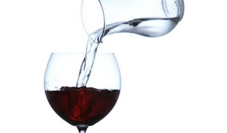 Можно ли пить разбавленное водой вино