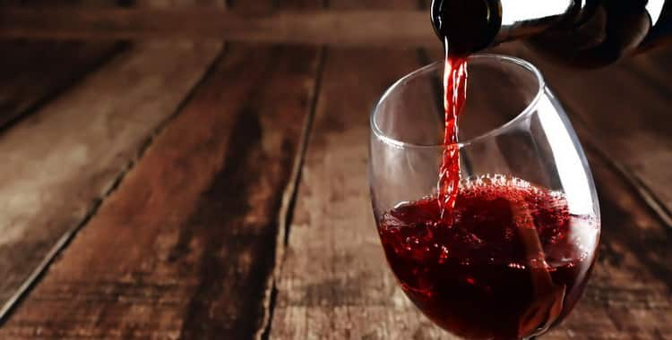 Разбавленное водой вино