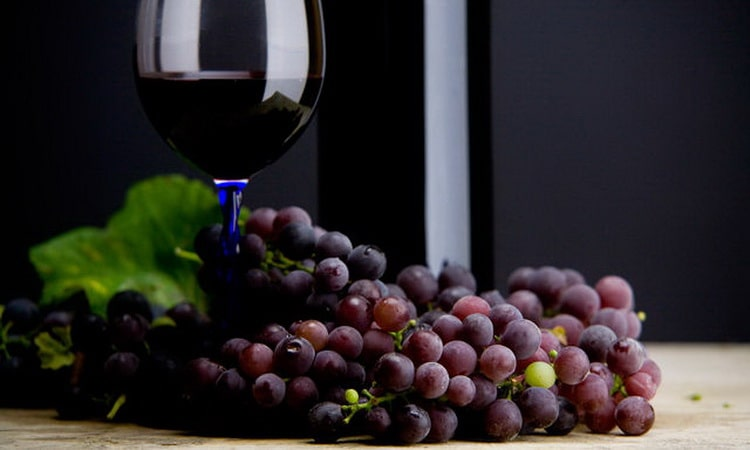 Как и с чем нужно подавать абхазское вино эшера