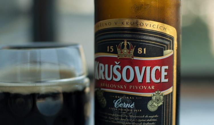 Среди темного хмельного можно выделить марку Крушовице.
