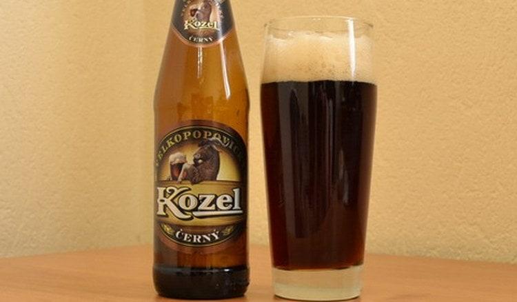 Многие отдают предпочтение темному пиву Велкопоповицкий Козел.
