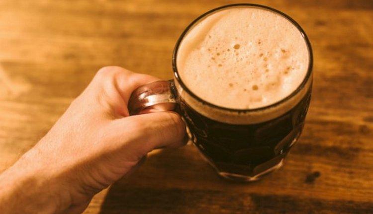 Если говорить о том, какое пиво полезнее: светлое или темное, безусловно, победителем в этой категории останется последнее.