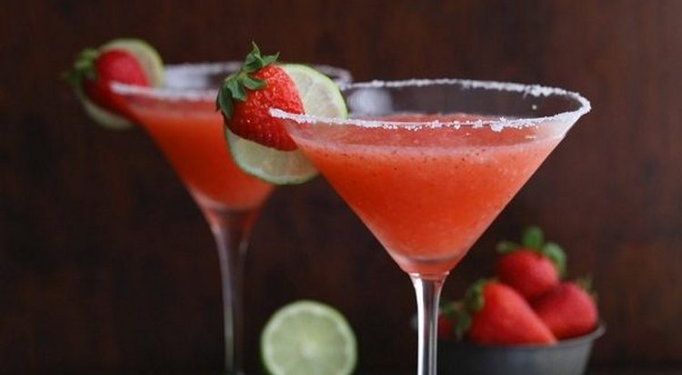 А вот состав для безалкогольного коктейля клубничная Маргарита.