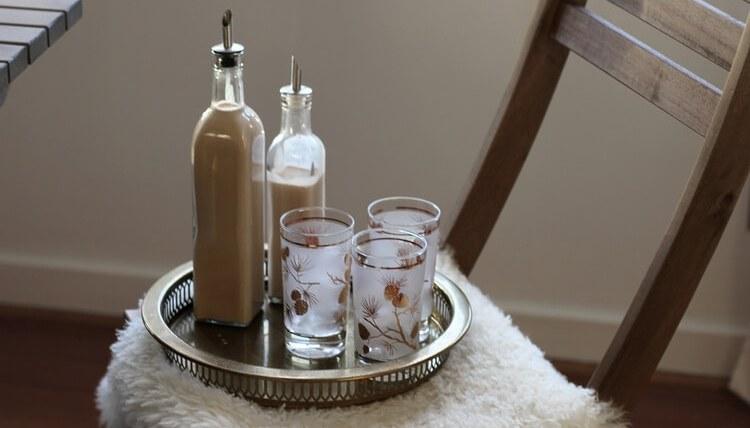 Этот простой рецепт поможет приготовить вкусный молочный ликер в домашних условиях.