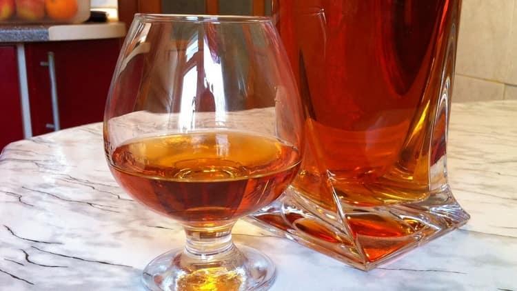 Напиток порадует приятным ароматом и красивым цветом.