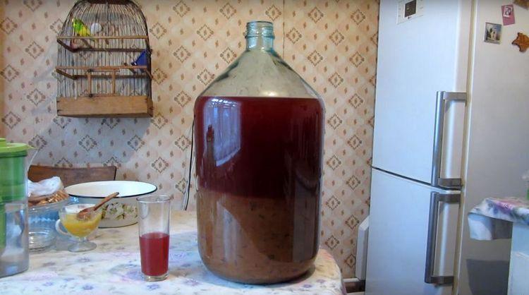 А вот еще один способ, как приготовить брагу в домашних условиях для самогона.