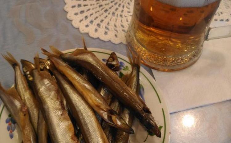 А маленькая рыбка к пиву удобна тем, что ее уже не нужно чистить.