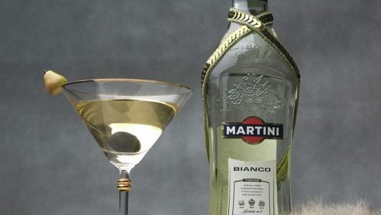 Узнайте, какой срок годности Мартини Бьянко в закрытом виде.