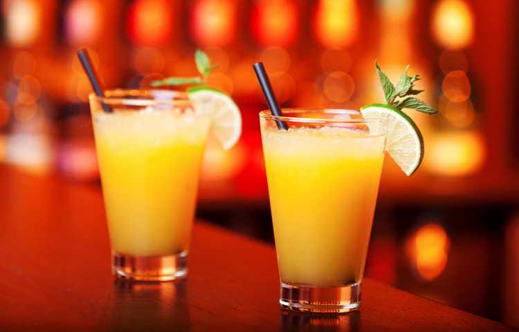 С чем можно смешивать водку: рецепты коктейлей