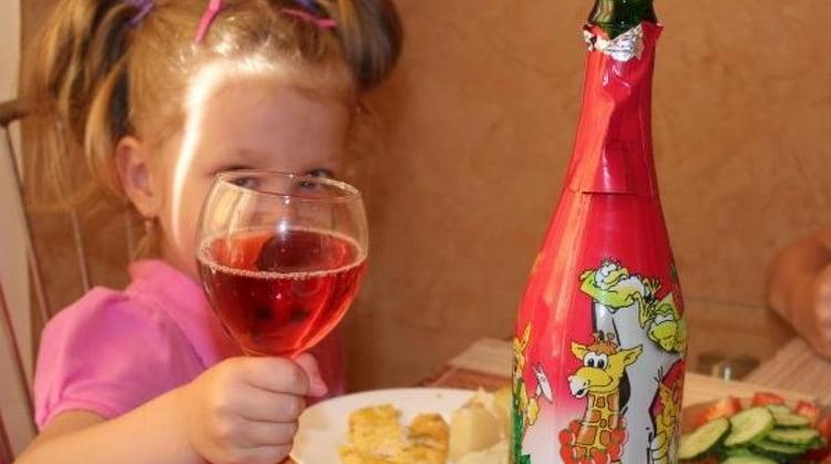 Важно понимать, что по составу этот напиток в принципе нельзя назвать полезным, поэтому не стоит слишком часто покупать его ребенку.