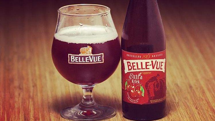 Вишневые тона радуют во вкусе этого пива.