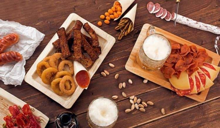 Зависимо от конкретного пива этого производителя можно подбирать разные закуски.