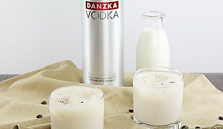 Датская водка danzka может использоваться и для приготовления коктейлей.