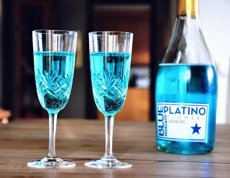голубое шампанское авива