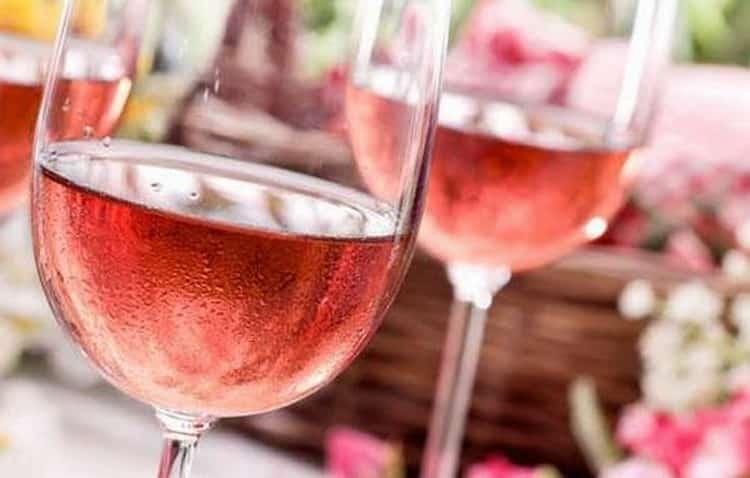 Как подавать розовое шампанское