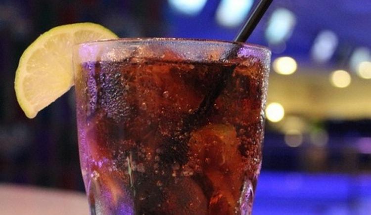 Самым крепким будет коктейль из Егермейстера с водкой.