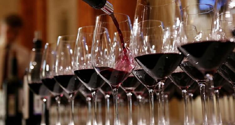 Как подавать краснодарское сухое вино