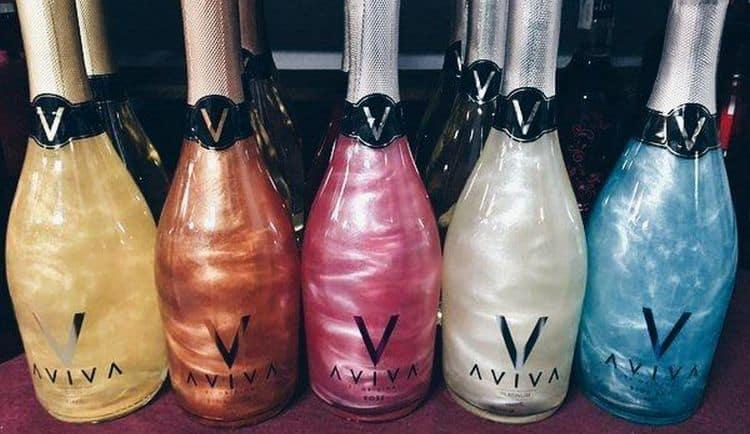Отзывы о блестящем шампанском Aviva неоднозначные.