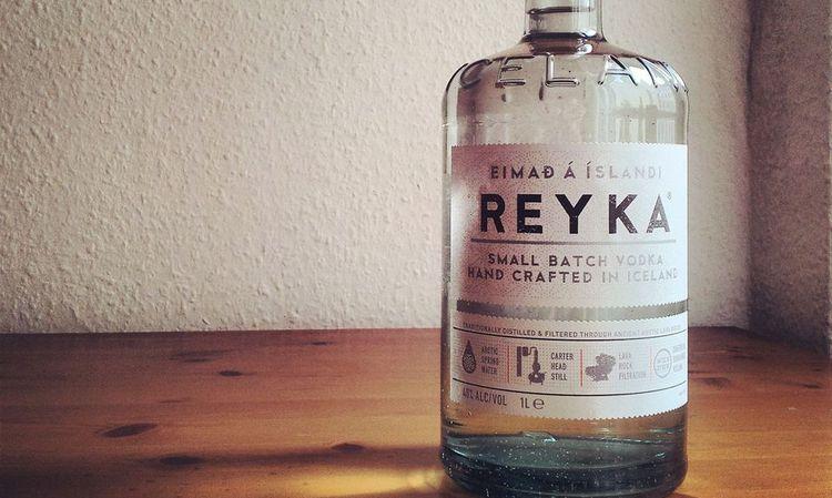 Водка Рейка производится в Исландии.
