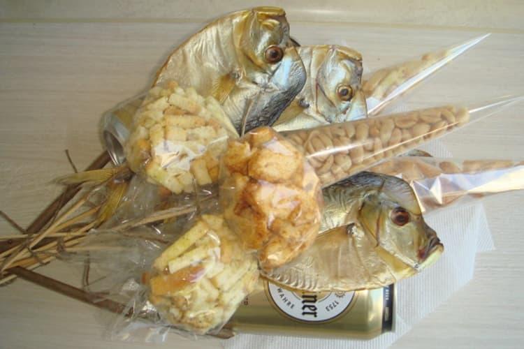 Вяленая рыбка добавляется в букетик