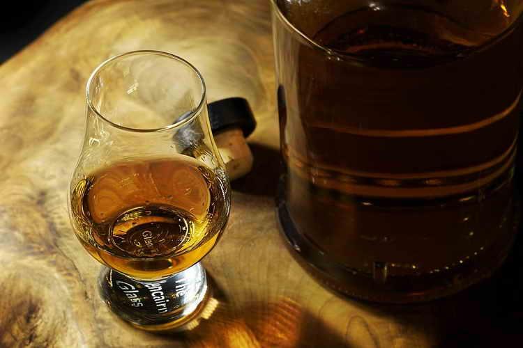отличие бренди от коньяка и виски
