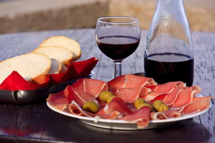 Как подавать бастардо вино