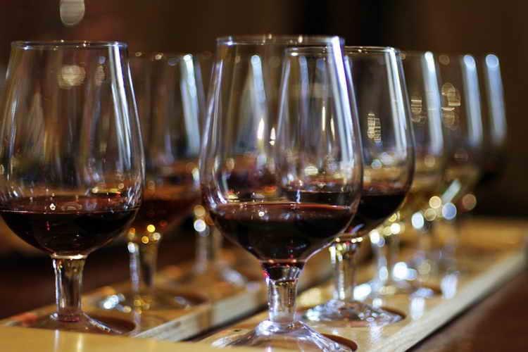 вино черный доктор